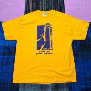 Men's  XL Yellow Gold Lakers vs Celtics T Shirt